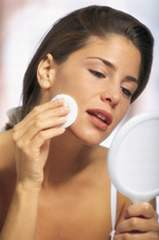 How To Use And Apply Facial Toner apply toner general
